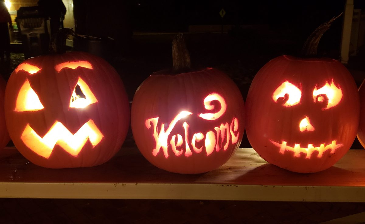 """""""Hallowings"""" Carve and Display Event"""