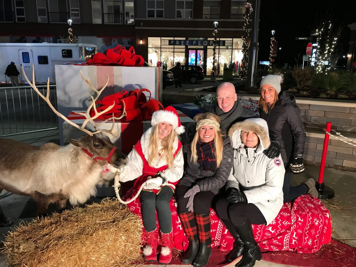 The Corners of Brookfield Third-annual Lighting of...